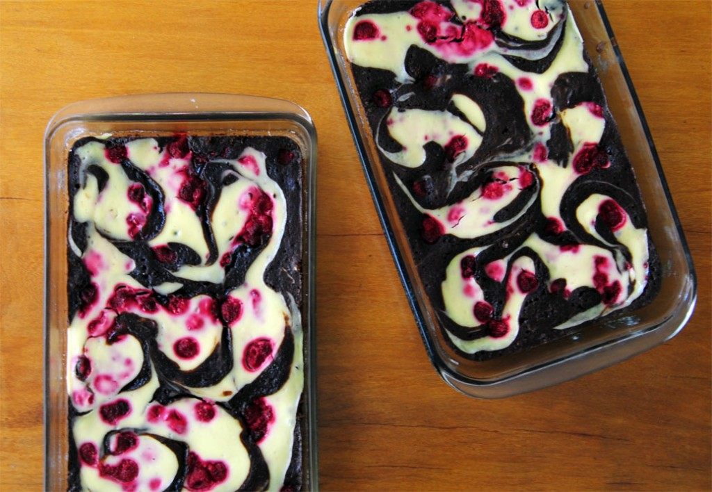 raspberry cheesecake brownie pan